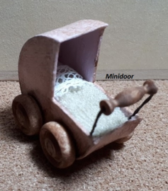 Poppenwagentje (zelf maken)