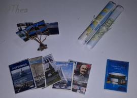 Set met kaarten, tijdschriften en kaartenstandaard
