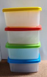 Set van 4 kleine bakjes