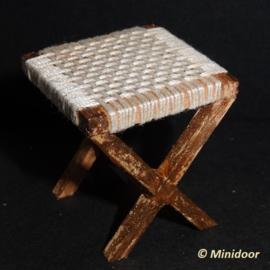 Houten krukje matten (zelf maken)