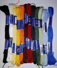 Set met 12 kleuren Moulinè garen