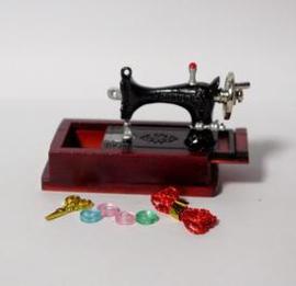 Naaimachine - Tafelmodel met opruimbakje
