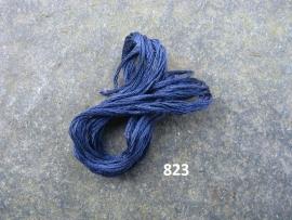 DMC 823 - donkerblauw
