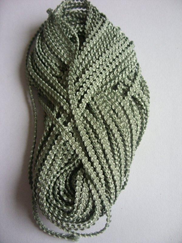 Knobbelband 30 - sage green