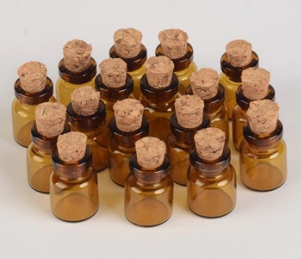 Bruin glazen flesje met kurk (2x)