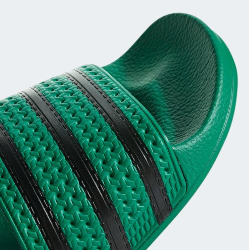 CM8443 Adidas Adilette slipper | groen/zwart | Adidas ...