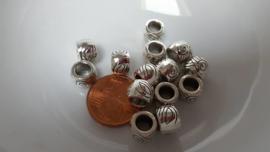 10 metalen kralen met 6mm groot gat 4