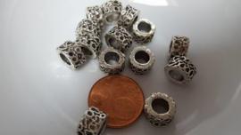 10 metalen kralen met 6mm groot gat 9