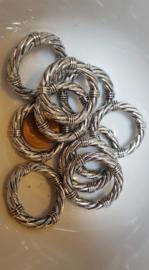 10 grote metalookringen