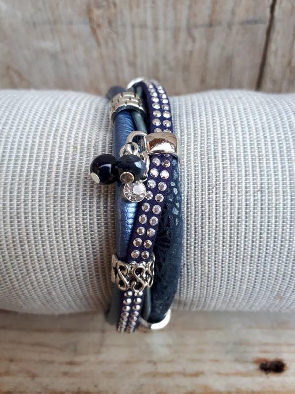 Armband leer donkerblauw studs