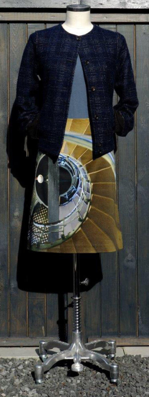 icke berlin - skirt staircase