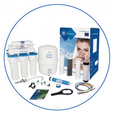 Zelfbouw huishoudelijk 5 staps osmosesysteem met opslagtank .