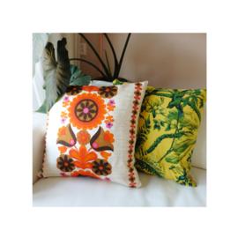 Kussenhoes oranje en bruine bloemen retro vintage