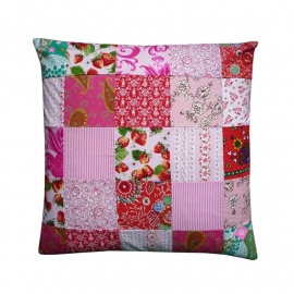 Kussenhoes patchwork rood roze wit