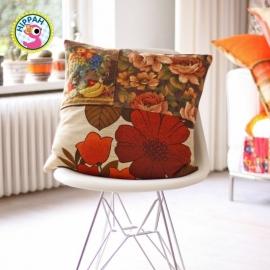 Kussenhoes retro borduurwerk bruine bloemen