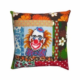 Kussenhoes Clown borduurwerk