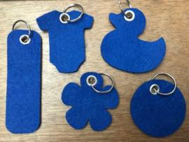 Vilten sleutelhanger royal blauw