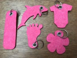 Vilten sleutelhanger donker roze