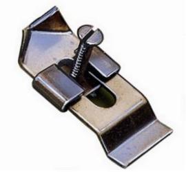 Metalen geweiklemmen voor o.a. reebok (5 stuks)