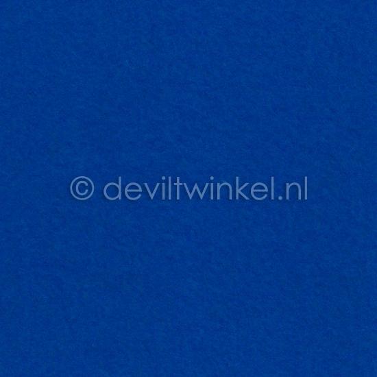 Wolvilt Koningsblauw 20 bij 30 cm.