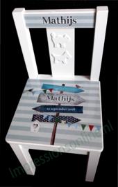 Kinderstoel met naam Matthijs