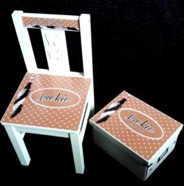 Houten kinderstoel en bewaardoos met naam ontwerp Veer