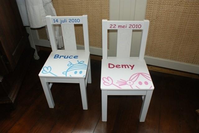 Stoel Met Naam.Houten Kinderstoelen Met Naam Kind Of Van De Baby En Met Print