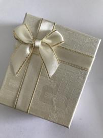 Geschenkdoosje beige goud