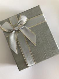 Geschenk doosje zilverkleur