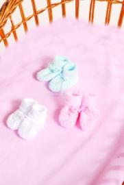 Handgebreide babysokjes roze