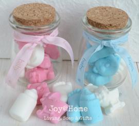 Baby snoepjes in een potje met lintje