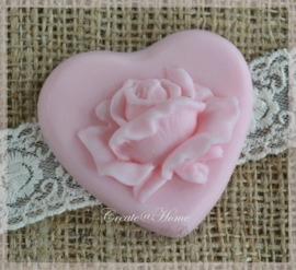 Zeepjes hartje met roos. Per 3