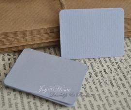 Label rechthoek in vele kleurtjes & afm. met of zonder touwtje & tekst
