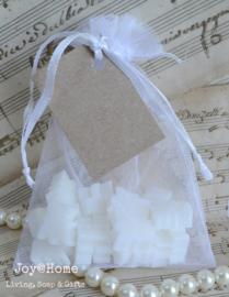 Organza zakje met zeep engeltjes en label eigen tekst in vele kleurtjes