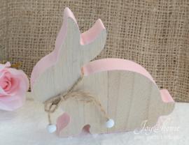 Houten konijn roze met touwtje & kralen
