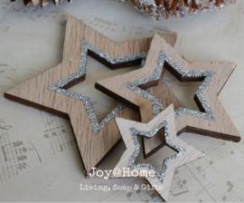 Houten sterren bruin met zilveren glitters