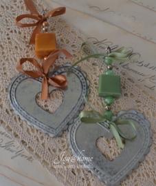Zeepketting, plat zinken hartje & een zeepblokje