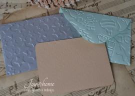 Envelopje met reliëf & kaartje met/zonder tekst in vele combinaties & kleuren