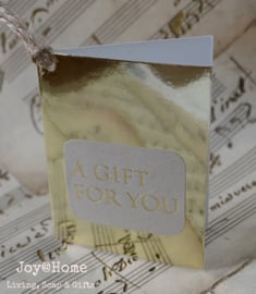 Kaartje goud met sticker a gift for you