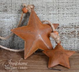 Industriële roestkleurige sterren met kraal in 2 afm.
