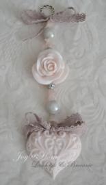 Zeepketting. Zeep hartje, roosje & rozenkwarts kralen