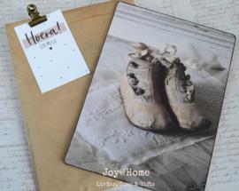 Bordje nostalgisch, zakje met clip & kaartje Hoera een jongen/meisje