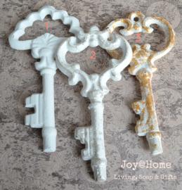 Oude ijzeren sleutels, keuze uit 3