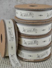 Kartonnen spoel met lint. Mr & Mrs, offwhite/grijs