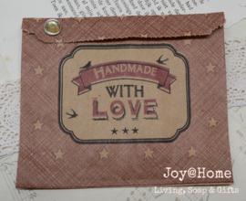 Rode kraft hangzakjes Handmade with love met splitpen in 7 kleuren