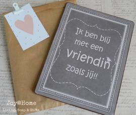 Tekstbord in een zakje met klem & kaartje Vriendin