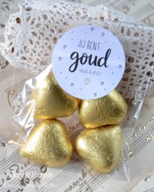 Zakje  met chocolade hartjes & sticker