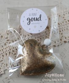 Zakje met antiek goud hartje en sticker