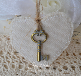Linnen tag hart met bedel sleutel in 3 kleuren
