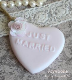 Zeep trouwbedankje Just married